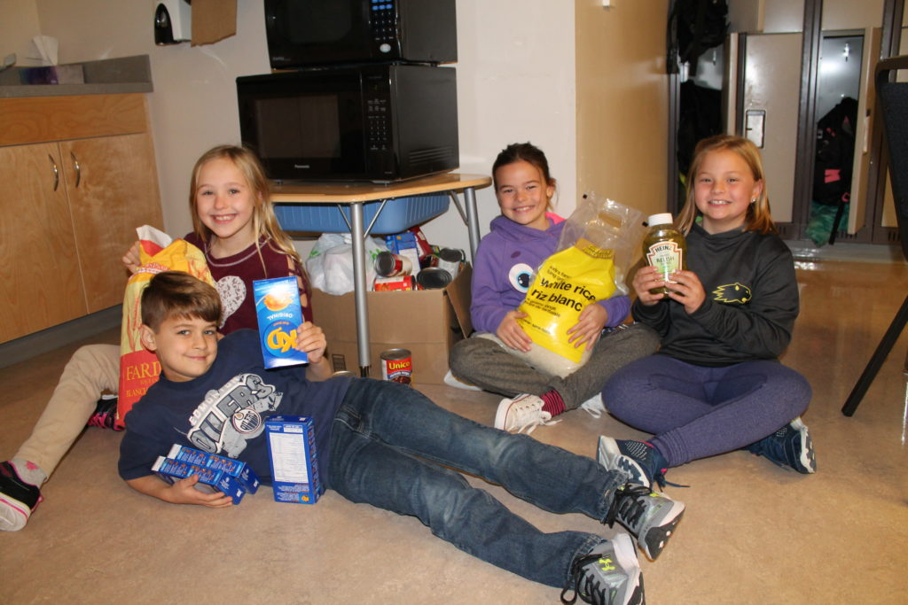 PNCS Students during food drive
